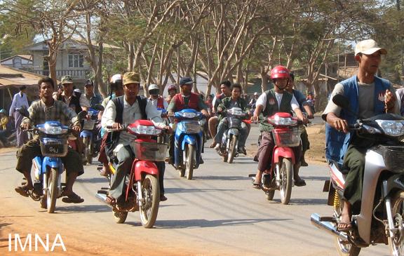 ဘုရားသုံးဆူမြို့ မှ တက္ကဆီသမားများ